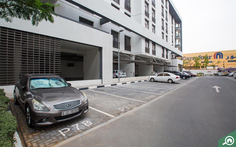 parking space in mirdif hills